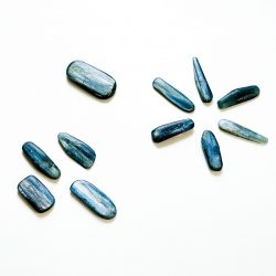 Kyanite High Quality Blade Cover Photo