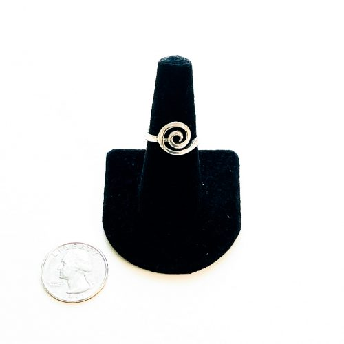 Sterling Silver Labyrinth Ring Size 8 with Quarter